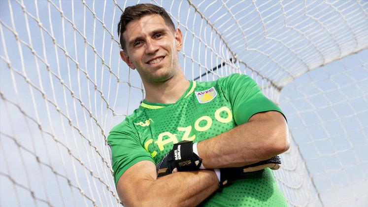Emiliano Martínez - 28 anos - Aston Villa - Goleiro: titular no Aston Villa, tem passagem pelo Arsenal e foi eleito o melhor goleiro da Copa América de 2021. (Sua convocação pode ser afetada)