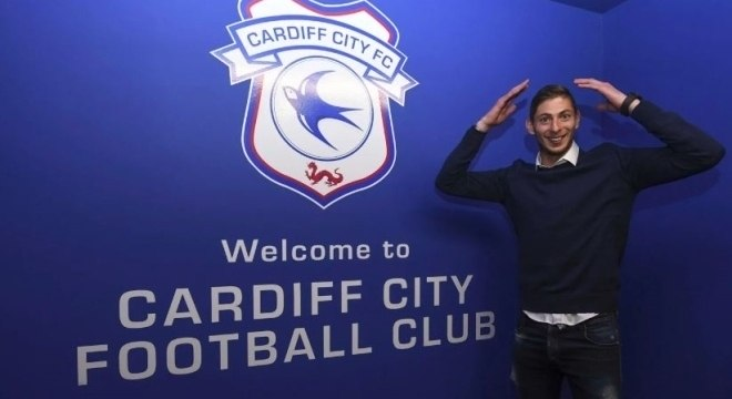 Emiliano Sala assinou com o Cardiff City nesta semana