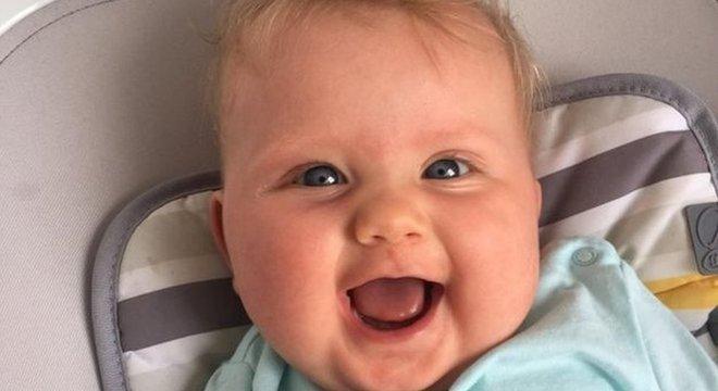 Depois de passar algumas semanas em uma UTI neonatal, Emilie foi para casa e está bem