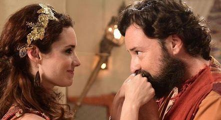 Elisa e Emilio em cena como Ayla e Ló