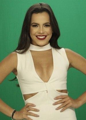 A ex-BBB e apresentadora Emilly Araújo