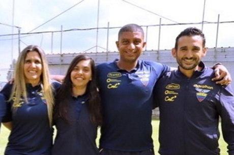 Emily, Camila, Dickinson e Filipe juntos no Equador