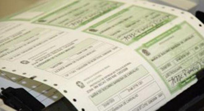 Voto é obrigatório para maiores de 18 anos e título de eleitor é documento oficial
