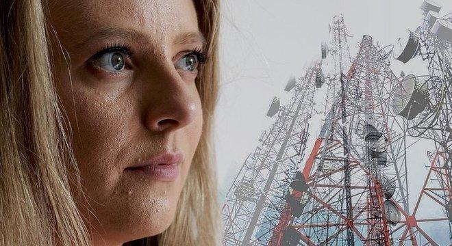Emma diz que precisará tomar cuidado ao se aproximar das torres de transmissão 5G