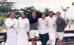 """Sua história no Brasil começou em 1987, quando assumiu a cozinha do Roanne, do então restaurante do chef Claude Troisgros. Lá, Emmanuel foi eleito """"Chef do Ano"""" duas vezes pelo Guia Quatro Rodas"""