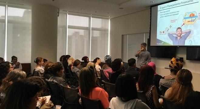 Quinta etapa de workshops teve palestra e atividades sobre educação financeira