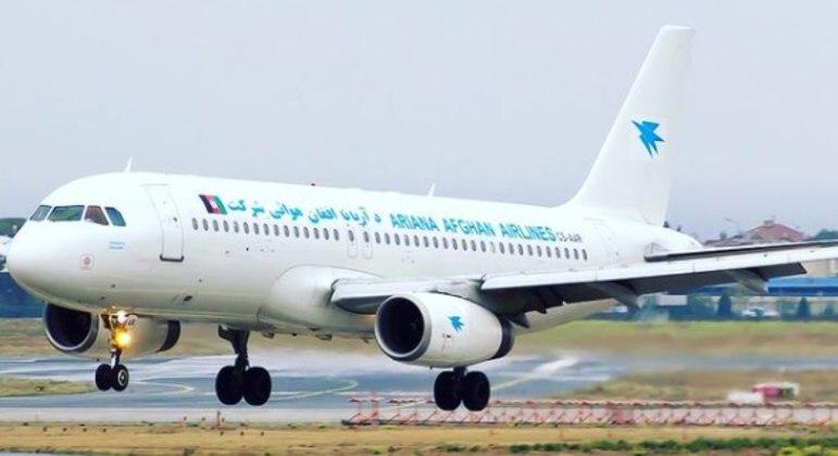 Empresa aérea do Afeganistão volta a operar no aeroporto de Cabul nesta sexta-feira (3)