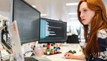 Empresa oferece bolsa para formar mulheres programadoras