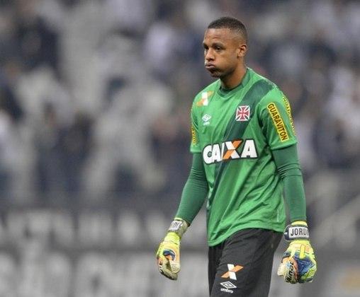 Emprestado nos anos de 2019 e 2018, Jordi é opção imediata a Fernando Miguel. Hoje tem 26 anos, mas estreou em 2014 e soma 38 partidas pelo time principal do Vasco.