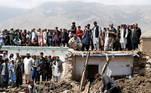 Equipes de resgate do Afeganistão continuaram as buscas por desaparecidos em meio à lama e os destroços, neste sábado (29), após enchentes relâmpago que mataram ao menos 160 pessoas e destruiu casas por todo o país, disseram autoridades