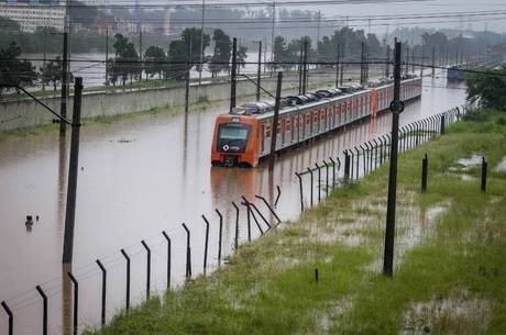 Linha 9-Esmeralda da CPTM tem trecho interrompido