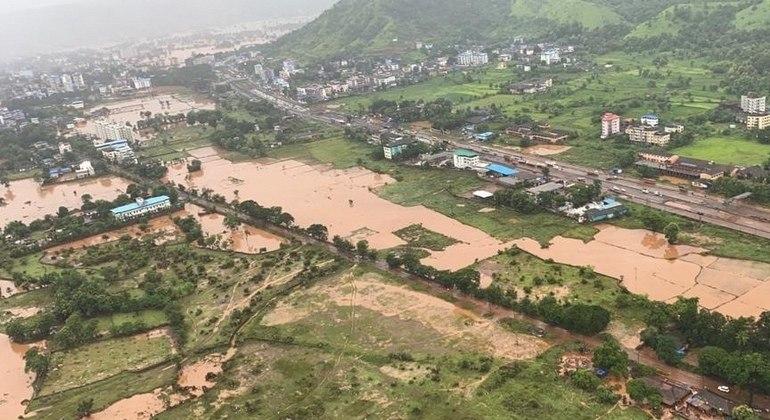 Desastre obrigou cerca de 250 mil pessoas no país a deixarem suas casas