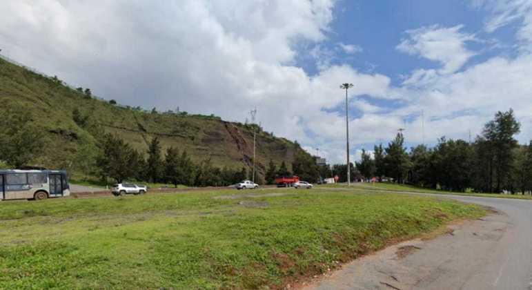 Corpo foi encontrado na rotatória do bairro Olhos D'Água, em Belo Horizonte