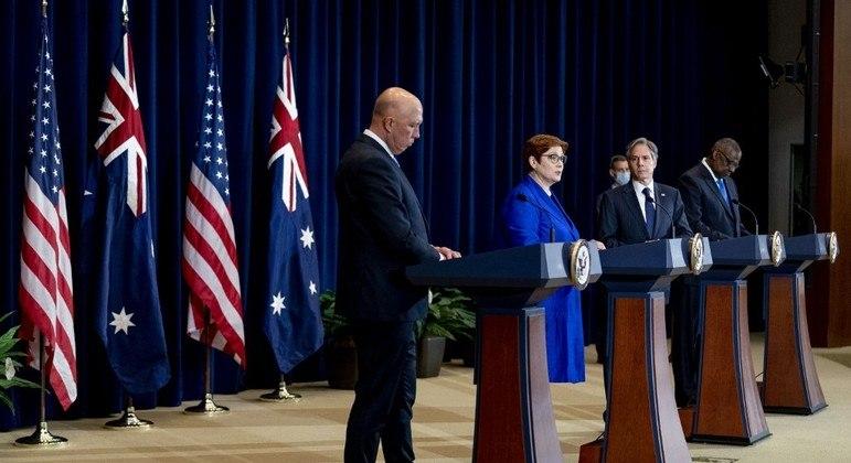 Chefes do alto escalão da defesa e governo da Austrália e EUA se reuniram para selar acordo