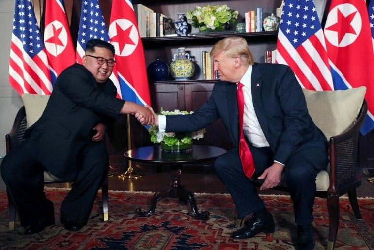 'O mundo verá a mudança', diz KimJong-un após falar com Trump