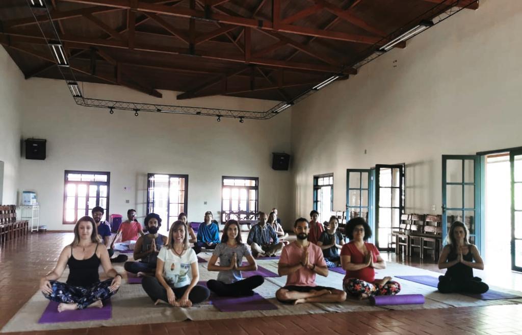 Práticas de yoga fazem parte da programação do 13º Encontro Consciência e Entusiasmo