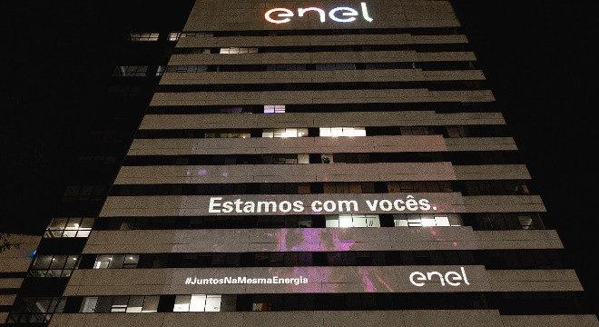 Enel projetará mensagens de apoio aos profissionais do Dia do Trabalho