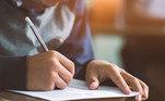 De acordo com o coordenador, na parte de física da prova, uma dica paraotimizar tempo é ler o comando e as alternativas da questão e avaliar se épossível responder sem a necessidade de ler o texto de apoio.