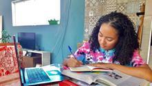 Jovem autodidata estuda em casa e faz 940 pontos na redação do Enem