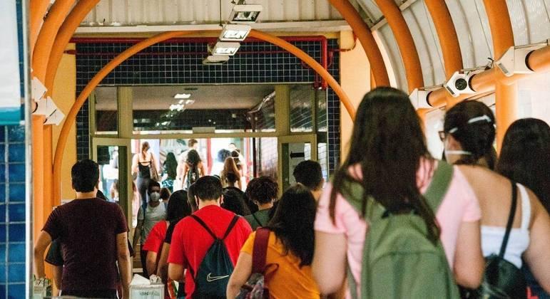 Movimentação de candidatos na Universidade Unip, na Barra Funda, zona oeste da capital paulista