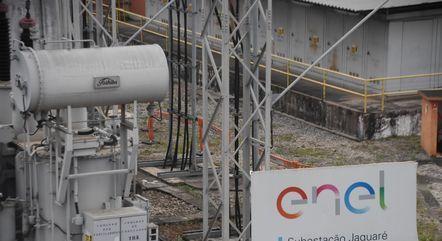 Subestação de rede elétrica em São Paulo (SP). Conta de luz em junho é cobrada com a bandeira vermelha