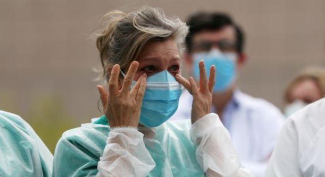 O novo coronavírus é ativo e potencialmente infeccioso nas lágrimas