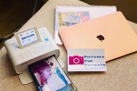 Profissional imprime  fotos em casa