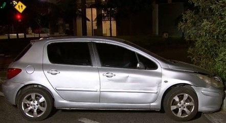 A frente do veículo ficou parcialmente danificada