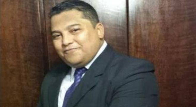 Idalgo Moura tinha 45 anos, era paraibano, enfermeiro e morreu com coronavírus