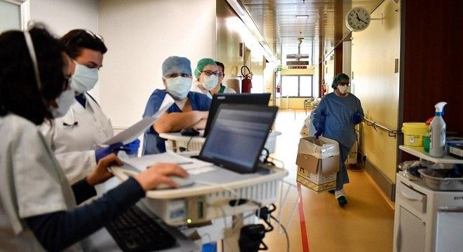 Sete enfermeiros morreram por covid-19 e outros seis óbitos são investigados