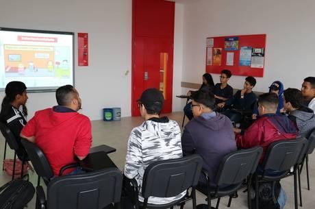 Escola deve incentivar participação de alunos