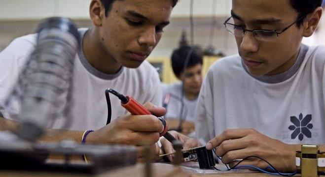 Profissionais com ensino técnico podem ganhar mais do que alguns universitários