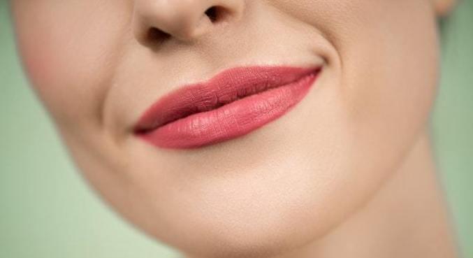 Mentoplastia tem ganhado destaque entre os procedimentos estéticos faciais