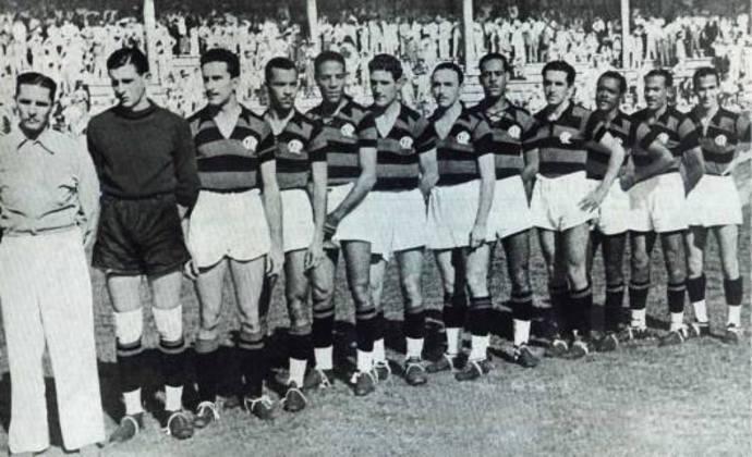 Entre 1938 e 1939, o argentinou defendeu o Flamengo em 41 oportunidades. Na foto, ele é o quarto da direita para a esquerda.