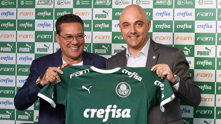 Entre os técnicos mais vitoriosos do Palmeiras, Vanderlei Luxemburgo, atual comandante do clube, soma quatro passagens pelo Verdão e nove títulos. O último foi o Campeonato Paulista de 2020, sobre o Corinthians.