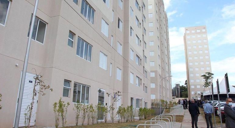 Entrega de apartamentos financiados pela Caixa na zona leste de São Paulo