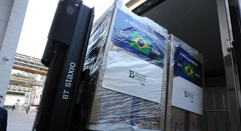 Mais um milhão de doses da CoronaVac são entregues ao Ministério da Saúde