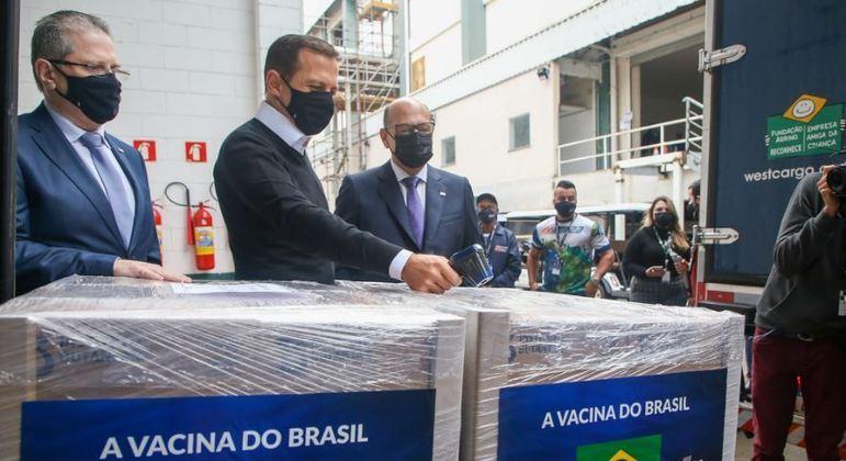 SP entregou, nesta segunda (30), mais 10 milhões de doses da vacina ao Ministério da Saúde