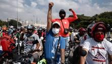 Entregadores fazem protesto por melhores taxas e vacina em SP