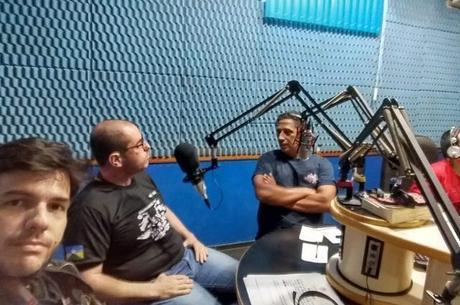 Durante entrevista a rádio líder de audiência da região de Guajará-Mirim
