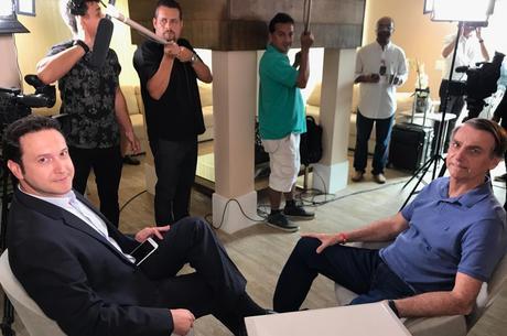Bolsonaro concedeu na quinta entrevista ao JR