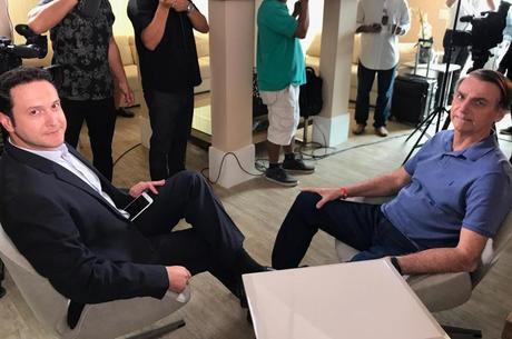 Bolsonaro prevê estar recuperado já em dezembro