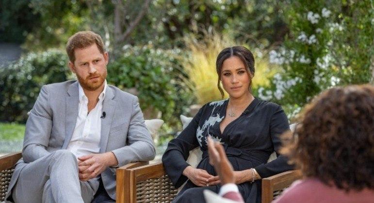Meghan Markle e Harry durante entrevista a Oprah Winfrey