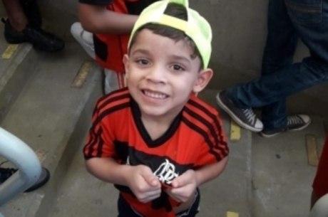 Enzo, de quatro anos, torcedor do Flamengo