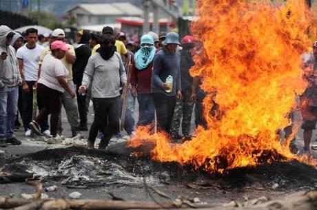 Mais de 400 pessoas foram presos no Equador