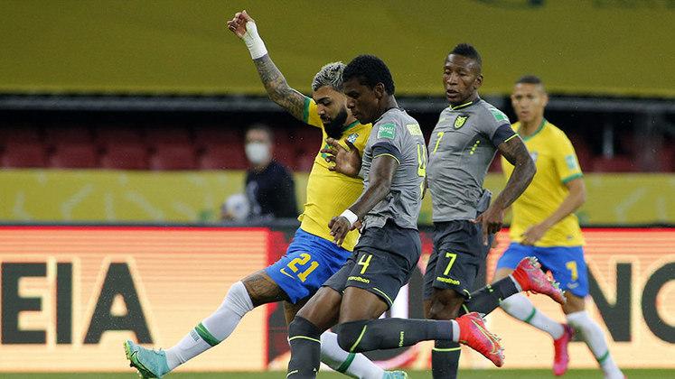 Equador: Sobe – O sistema de defesa da Seleção Equatoriana é, certamente, o grande destaque. A equipe trouxe dificuldade para o Brasil sair com a bola e incomodou durante todo o jogo. / Desce – Por outro lado, o ataque pouco produziu, e o goleiro Alisson foi um mero espectador.