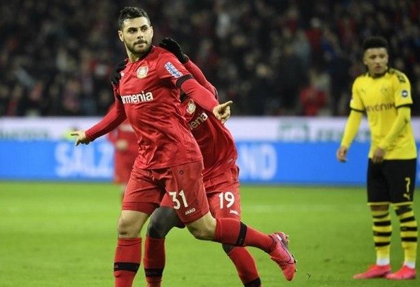 Equipe alemã conhecida, o Bayer Leverkusen também disputou uma final em 2002, quando perdeu para o Real Madrid.