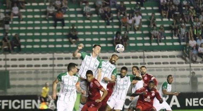 Equipe gaúcha tem bons números como mandante, mas acumula desempenho tímido longe de Caxias