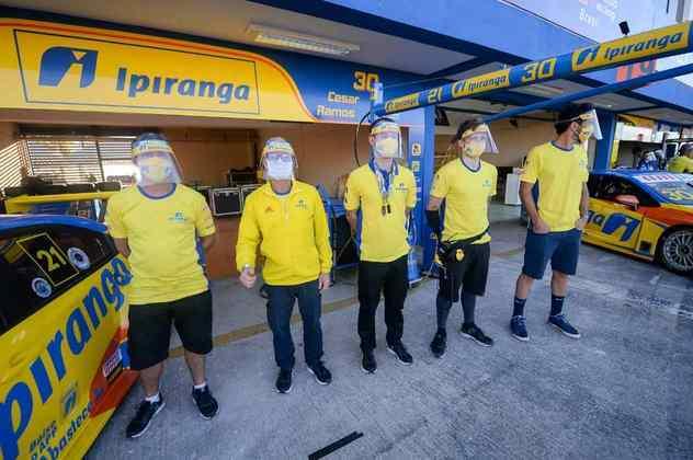 Equipe precisaram respeitar as normas de segurança no autódromo goiano