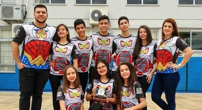 A equipe Titans, de Goiás, pensou em solução com cascas de laranja